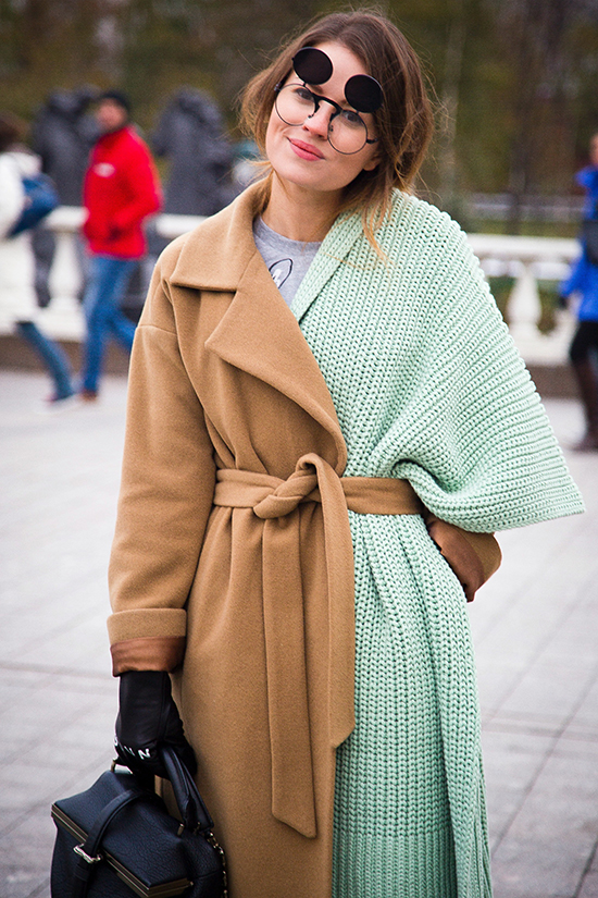 london-is-passion-and-girls-on-mercedes-benz-fashion-week-russia--streetstyle-moscow-8 (1)